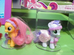 My Little Pony Toy - Scootaloo and Sweetie Belle at Toy Fair 2012