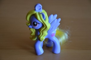 My Little Pony McDonald's 2012 Happy Meal toys - Lily Blossom