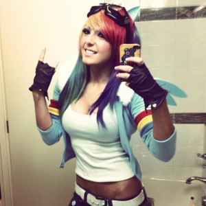 Jessica Nigri dressed as Rainbow Dash